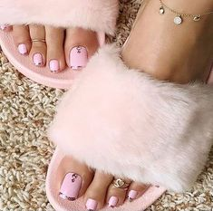 New Pink French Pedicure Toenails Ideas Pink Pedicure, Manicure Y Pedicure, Pedicure Colors, Pedicure Soak, Fall Pedicure, Pedicure Ideas, Pretty Toe Nails, Pretty Toes, Cute Pedicures