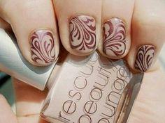 Beige mauve nails