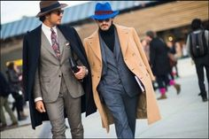 Check out what the fashion world's most dapper gentlemen wore to the menswear shows in Florence in these street style photos by Adam Katz Sinding. Dapper Gentleman, Dapper Men, Gentleman Style, Sharp Dressed Man, Well Dressed Men, Gentlemen Wear, Trench Coat Style, Beautiful Suit, Suit Up