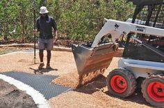 CORE Gravel being covered during a driveway installation. Increases stability in driveway. Driveway Drain, Permeable Driveway, Gravel Driveway, Driveways, Driveway Installation, Grass Pavers, Driveway Landscaping, Landscaping Ideas, Driveway Ideas