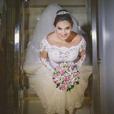 A belíssima noiva de ontem, Bruna  #wedding #weddingphotography #weddingdress #weddingphotographer #casamento #bride #canon #felicidade #clauamorim #claudiaamorim  #portrait #retrato #instawedding #photooftheday #happiness #vestidodenoiva #fotodecasamento #fotografodecasamento #love #vestidadebranco #lapisdenoiva #yeswedding #bridetobride #bridetobe