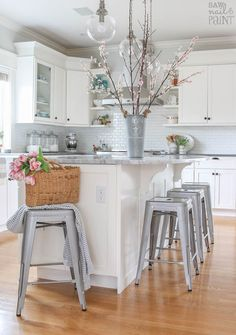 Kitchen Refresh for Spring - Saw Nail and PaintBloglovinFacebookInstagramPinterestTwitter