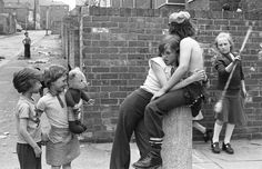 The official website of Tish Murtha. Tish was a British social documentary photographer best known for documenting marginalised communities, social realism and working class life in Newcastle upon Tyne and the North East of England. Royal Photography, Artistic Photography, Vintage Photography, Black And White Photography, Amazing Photography, Street Photography, Urban Photography, Social Realism, Liverpool History
