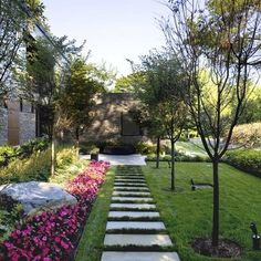 Modern Home pre-cast pavers Design Ideas, Pictures, Remodel and Decor