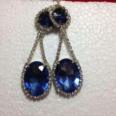 #orecchini in #cristallo #blu. Fatti a mano. Su www.oro18.eu #oro18 #bigiotteria #bijoux #jewelry