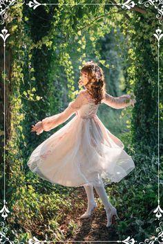 Kawaii Fashion, Lolita Fashion, Cute Fashion, Human Poses Reference, Pose Reference Photo, Art Poses, Drawing Poses, Frilly Dresses, Pretty Dresses