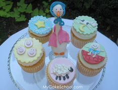 Google Image Result for http://www.thecupcakeblog.com/wp-content/uploads/2010/09/Mother-Goose-Nursery-Rhyme-Cupcakes.png