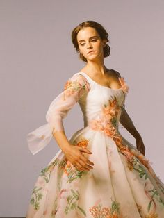 Emma W. Thailand: New pictures of Emma Watson as Belle in 'Beauty and the Beast Emma Watson Beauty And The Beast, Beauty And The Beast Movie, Emma Watson Belle Dress, Emma Watson Beautiful, Live Action, British Actresses, Wedding Beauty, Celebs, Celebrities