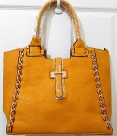 Visita nuestra página web www.trendy-bags.com y adquiere el bolso de tu preferencia.  Las entregas las realizamos a través de Aeroflash y recibiras en tu domicilio u oficina el pedido realizado. Distribuimos a todo El Salvador!