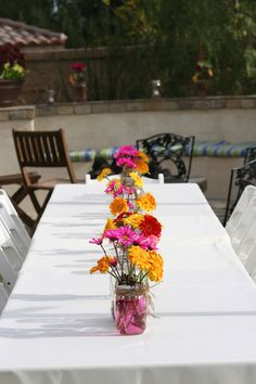 simple, pretty spring garden party table decorations