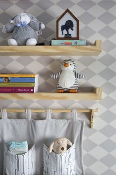 Pin de NaToca.com.br Mais Baby Bedroom, Baby Boy Rooms, Kids Bedroom, Modern Kids Decor, Toddler Room Organization, Childrens Room Decor, Room Themes, Kid Spaces, Baby Decor