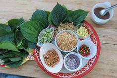 Miang Kham - Serving Miang Kham