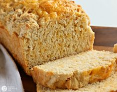 Beer Bread with Garlic and Cheddar Cheese is the savory taste you'll remember! Easy to make, delicious to eat. Perfect with soup or salad. Beer Cheese Bread Recipe, Garlic Cheese Bread, Beer Bread, Cheddar Cheese, Garlic Recipes, Bread Recipes, Cooking Recipes, Cooking Games, Cooking Classes