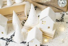 noel diy DIY Christmas trees and Christmas houses like cramics . - christmas diy DIY Christmas trees and playhouses like self-hardening clay / c - Christmas Makes, Diy Christmas Tree, Homemade Christmas, Christmas Projects, Nordic Christmas Decorations, Christmas Ideas For Boyfriend, Diy Décoration, Holidays And Events, Diy For Kids