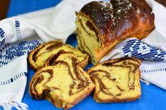 Cozonac de post - CAIETUL CU RETETE Romanian Desserts, Romanian Food, Heritage Recipe, Pin On, Pastry And Bakery, Home Food, Sweet Bread, Cake Cookies, Deserts