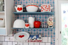 Vintage Finnish enamel collection Wärtsilä and Finel Noorakoo Decor, Vintage, Vintage Enamelware, Enamelware, Home Accessories, Home Decor, Scandinavian Design, Kitchenware, Cottage Kitchen