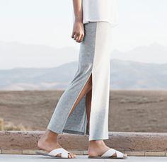 Röcke und Kleider von OPUS Fashion, Frau mit grauem Maxirock
