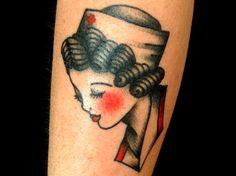 Tatuajes de enfermeras: un icono pin-up - http://www.tatuantes.com/tatuajes-de-enfermeras/ #tattoo