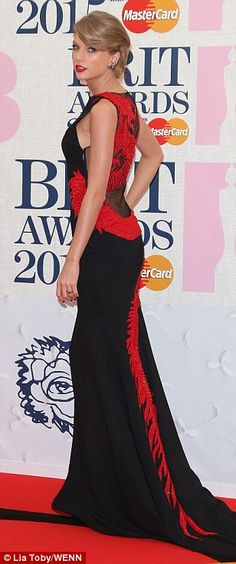 How to train your dragon: The singer looked stunning in the elegant yet edgy piece...