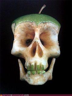 wtf photos videos - Apple Skull