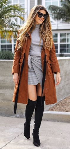 #fall #outfits women's brown trench coat with gray turtle-neck shirts