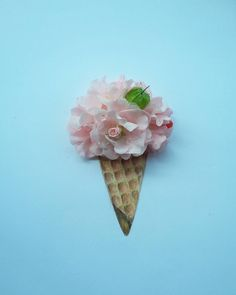 Vanilla strawberry ice cream #and_draw_something #nature_perfection #nature #photooftheday #artdesign #artwork #drawing #flowers #natureart #goodtimes #springtime by asmi_nahdiyah