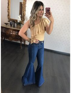 Calça Jeans Maxi Flare Fernanda Bebela