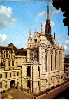ARQUITECTURA -- Contrafuertes de la Sainte Chapelle, París-