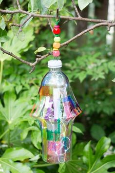 Turn your trash to treasure with this DIY Garden lantern - This is a fantastic DIY craft for upcycling plastic bottles.