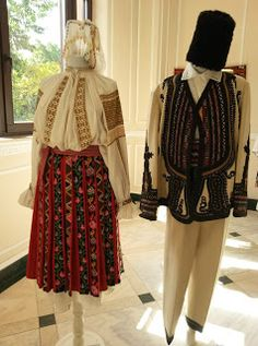 Hungarian Embroidery, Folk Embroidery, Embroidery Patterns, Folk Costume, Costumes, Fashion Art, Folk Art, Harem Pants, Stitch