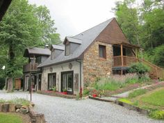 Nos #biens à #vendre sur #Luchon Toulouse, Cabin, House Styles, Home Decor, Decoration Home, Room Decor, Cabins, Cottage, Home Interior Design