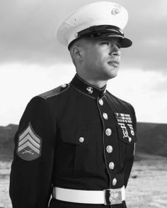 nothing more handsome than a Marine in dress Blues! Sexy Military Men, Military Love, Military Photos, Dress Blues Marines, Stevie Nicks Young, The Few The Proud, Marines Girlfriend, American Veterans, Us Marine Corps