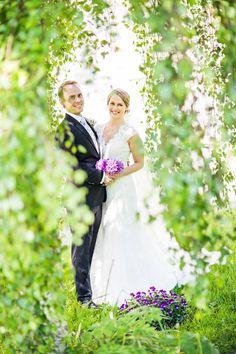FOTOGRAF   RIMELIG   BRYLLUPSFOTOGRAF   PRIS   BRYLLUP   OSLO   FØRDE   BERGEN   HELDAGS-BRYLLUP Iris, Bergen, Oslo, Ford, Wedding Dresses, Bride Dresses, Bridal Gowns, Wedding Dressses