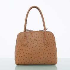 The mini Aine is the baby sister to Brianna and Juno. Structured Handbags, Ladies Handbags, Baby Sister, Pen Holders, Italian Leather, Louis Vuitton Damier, Irish, Pouch, Mini