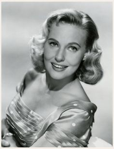 Lola Albright, the sultry blonde who played Edie Hart, girlfriend of private eye Peter Gunn, the film noir sitcom on television in the late & early Classic Actresses, Beautiful Actresses, Actors & Actresses, Hollywood Actresses, Hollywood Glamour, Classic Hollywood, Old Hollywood, Lola Albright, Press Photo