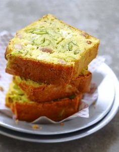 Cake au fromage frais, courgettes et lardons Cooking Chef, Batch Cooking, Cooking Recipes, Loaf Cake, Bread Cake, Zucchini, Panini Sandwiches, Love Food, Banana Bread