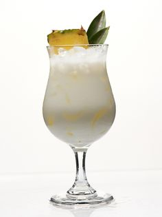 See the top 10 list of most popular frozen drink recipes with easy and straightforward steps. Frozen Drink Recipes, Frozen Drinks, Healthy Breakfast Recipes, Healthy Drinks, Gin, Frozen Pina Colada, Red Rice Recipe, Cocktail Drinks, Alcoholic Drink Recipes