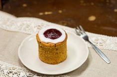 Kuohkeat gluteenittomat mokkapalat – Hellapoliisi Cheesecake, Pudding, Baking, Desserts, Food, Cheesecake Cake, Bread Making, Tailgate Desserts, Deserts