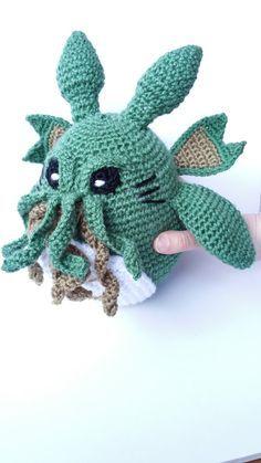 Cthulhu Totoro / Studio ghibli / lovecraft / My neighbor totoro / Cthulhu toy / mononoke / Mashup plush / Call of cthulhu / kodamas - Amigurumi Crochet Penguin, Crochet Monsters, Crochet Animals, Cute Crochet, Crochet Dolls, Knit Crochet, Amigurumi Patterns, Crochet Patterns, Concept Art Landscape