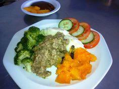 LEKKER RESEPTE VIR DIE JONGERGESLAG: GROOTMAAT MAALTYE South African Recipes, Broccoli, Catering, Grains, Rice, Chicken, Meat, Vegetables, Afrikaans