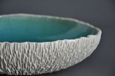 Cerulean Crackle ExtraLarge Geode Serving von elementclaystudio, $295.00, 223 euro