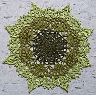 Crochet doily collection - An amazing collection of doilies made by Cillie with links to patterns online or in print. Crochet Round, Crochet Home, Love Crochet, Irish Crochet, Crochet Motifs, Thread Crochet, Crochet Yarn, Doily Patterns, Rugs