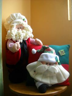noel cocinero Baby Car Seats, Christmas Ideas, Decorating, Pillows, Children, Xmas, Window Frames, Quilts, Christmas Crafts