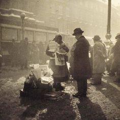 """Kolportérka"" / Woman selling newspapers  Photo: Jan Lauschmann (1901 - 1991) Czechoslovakia - Praha (Prague), 1931 / Now Czech Republic :)"