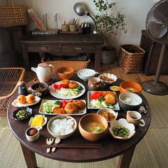 Japanese Table, Japanese Lunch, Asian Recipes, Gourmet Recipes, Dessert Recipes, Gourmet Foods, Home Food, Molecular Gastronomy, Dinner Menu