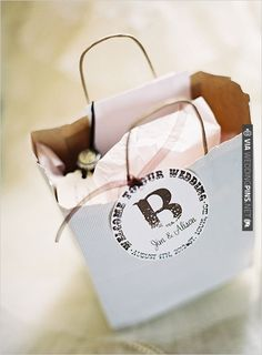 welcome wedding gift bags for guests | CHECK OUT MORE IDEAS AT WEDDINGPINS.NET | #weddingfavors