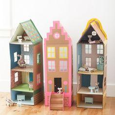 35 Easy DIY Cardboard Crafts For Kids Toys Diy Toys diy outdoor kid toys Cardboard Dollhouse, Cardboard Toys, Diy Dollhouse, Bookshelf Dollhouse, Homemade Dollhouse, Cardboard Playhouse, Doll House Cardboard, Cardboard Castle, Cardboard Furniture