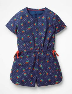 This fun cotton poplin playsuit comes in a jolly floral print or a cute strawberry print. It has buttons down the front, an elastic waist with functional waist ties and patch pockets. Middle School Fashion, School Style, Girls Playsuit, Blue Strawberry, Boden Uk, Playsuits, Jumpsuits, Poplin, Shirt Outfit