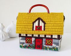 Purse house by Kitschcafe