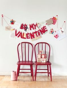 I love how much is going on in this Valentine Banner. Just might have to make one for the next Vday Dinner Valentine Valentine Banner, My Funny Valentine, Valentines Day Food, Valentine Day Love, Valentines Day Decorations, Valentine Day Crafts, Vintage Valentines, Holiday Crafts, Holiday Fun